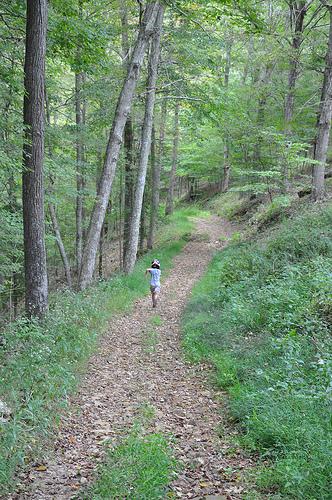 Carson Runs Down the Trail